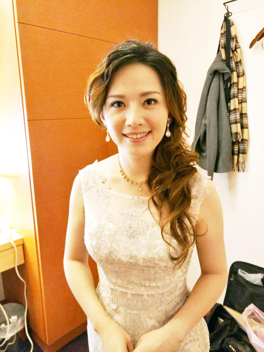 台北新娘秘書推薦 – 新秘千越 : 宴客晚禮服造型