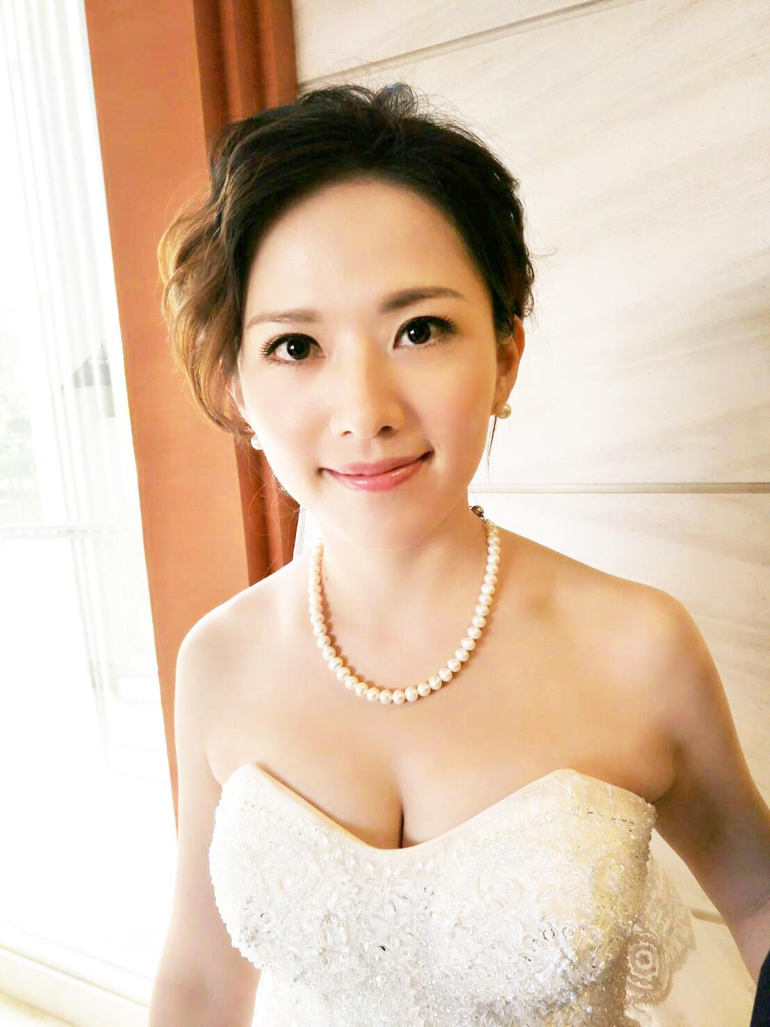 台北新娘秘書推薦 – 新秘千越 : 結婚宴客白紗造型(2019-08-29更新)