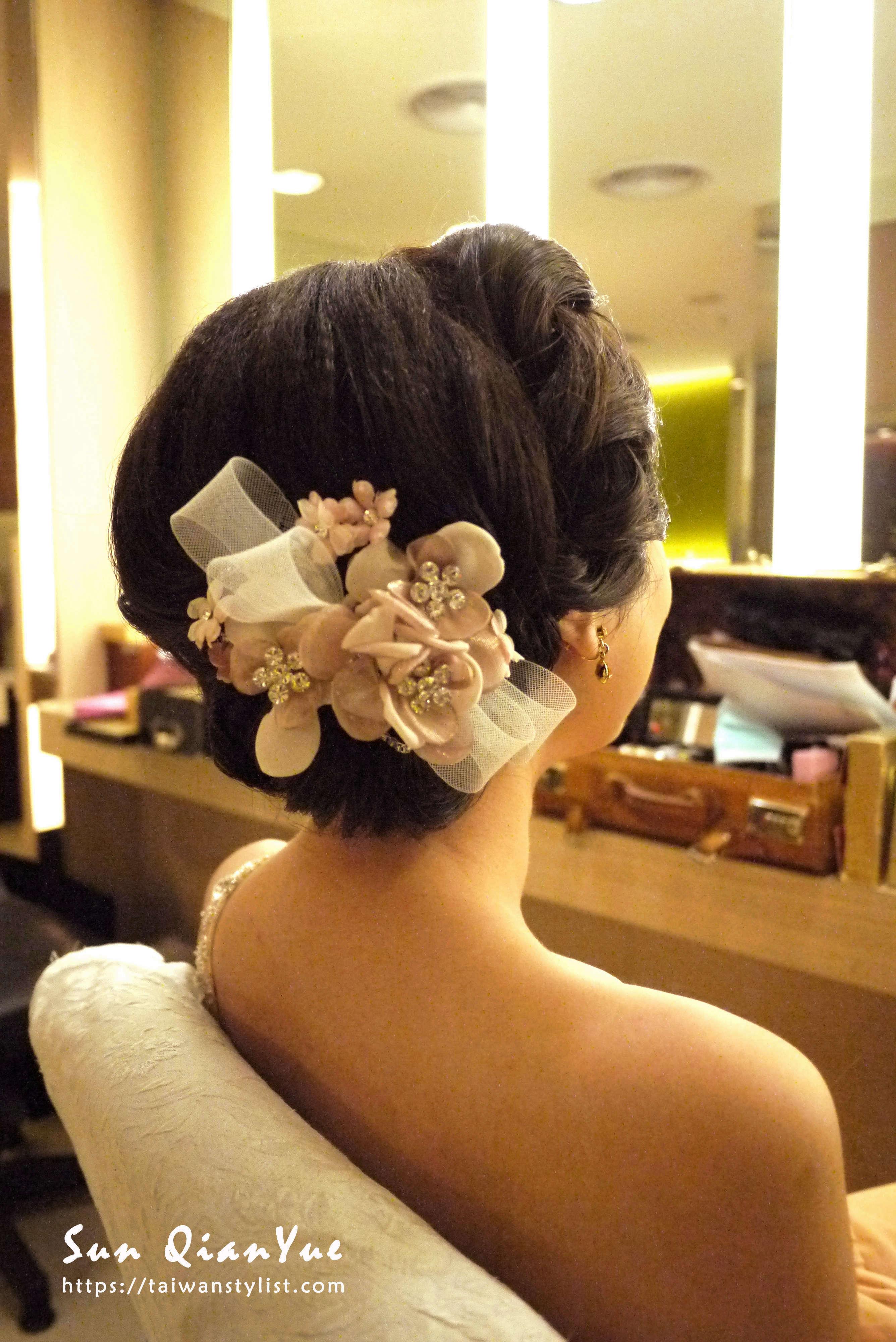 包頭新娘新秘造型,頭飾也是重點之一